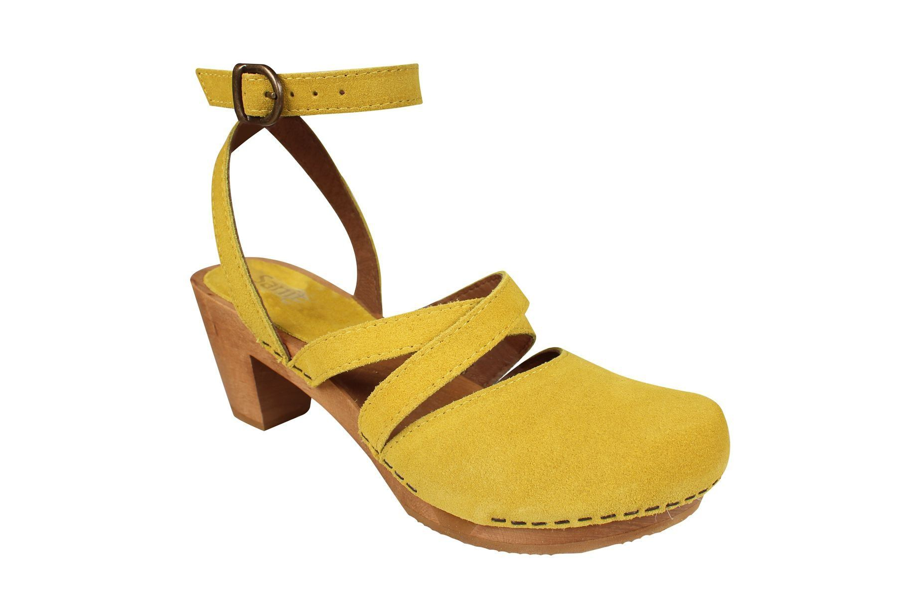 Sanita Tinja in Sky Yellow
